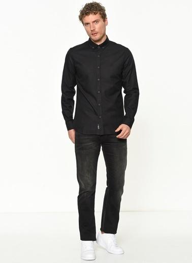 Mavi Gömlek Siyah